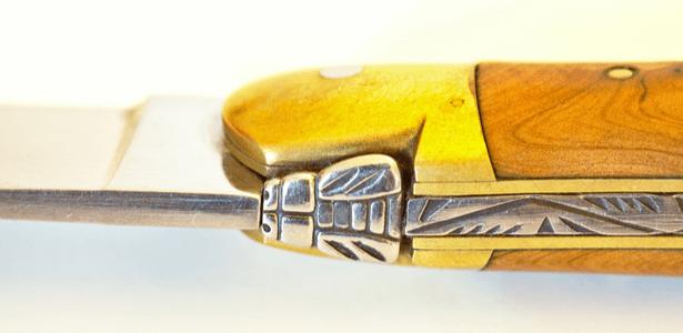 décoration couteaux Laguiole