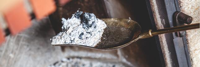 Comment bien utiliser les cendres du poêle ou de la cheminée?