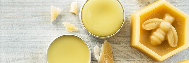 Cosmétiques à la cire d'abeille: 3 recettes faciles et rapides à réaliser