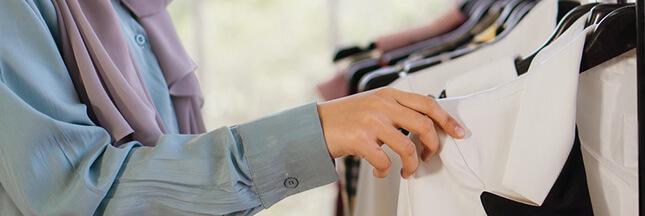 Le score environnemental des vêtements bientôt sur l'étiquette