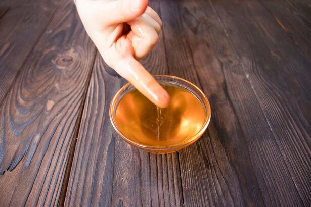 comment soigner un panari avec du miel