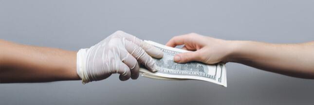 Coronavirus: faut-il éviter de payer en liquide?