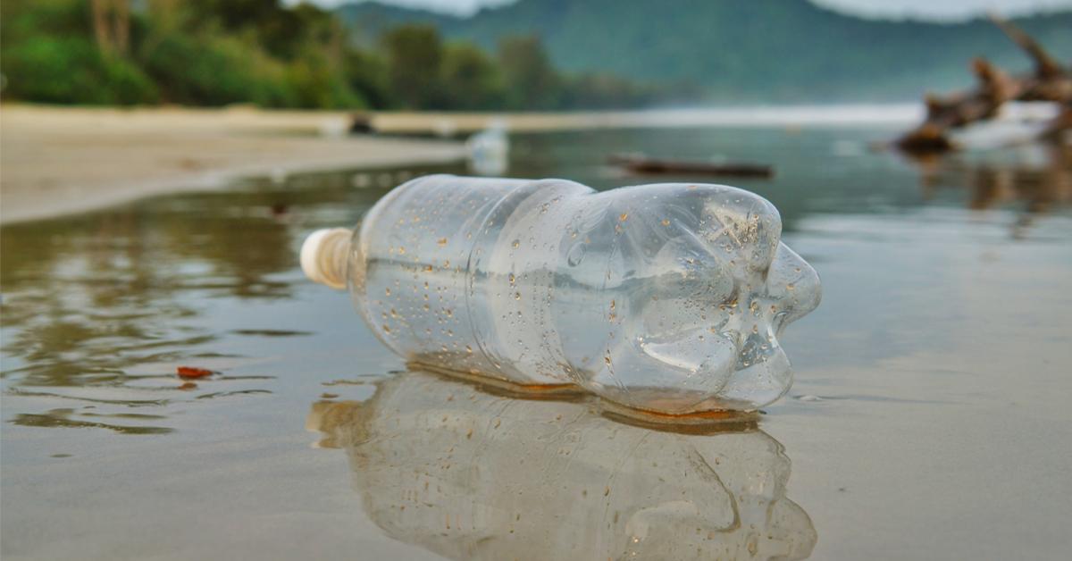 Mais où passe vraiment le plastique disparu des océans ?