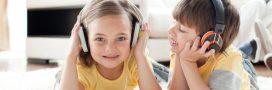 8 podcasts à faire écouter à vos enfants pendant le confinement