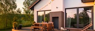 Trucs et astuces: nettoyer son salon de jardin naturellement