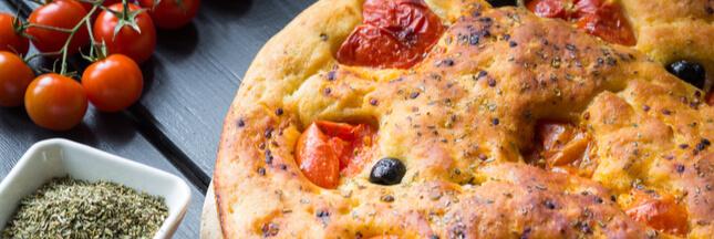 La focaccia barese, une recette italienne de fougasse