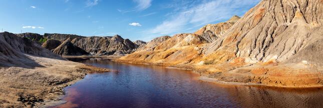 Catastrophe écologique : des flots d'acide dans une une rivière russe