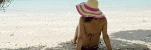 Implants mammaires, soleil et maillots sombres : attention danger !