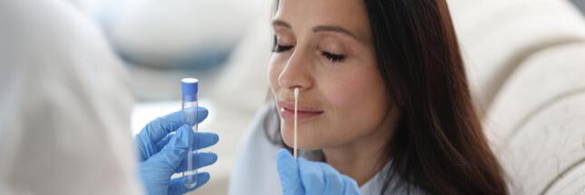 Covid-19: les tests antigéniques arrivent dans les pharmacies