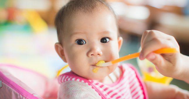 5 questions que se posent les parents au moment de la diversification alimentaire