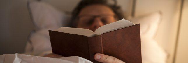 Oubliez les écrans! Il faut lire avant de dormir