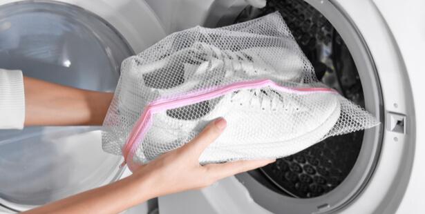 nettoyer chaussure blanc