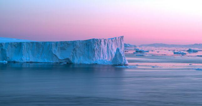 Réchauffement climatique: l'iceberg le plus grand du monde a complètement fondu