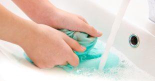 Faire la lessive à la main, ça ne s'improvise pas !