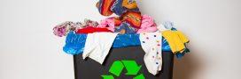 Vêtements : ne les jetez pas à la poubelle !
