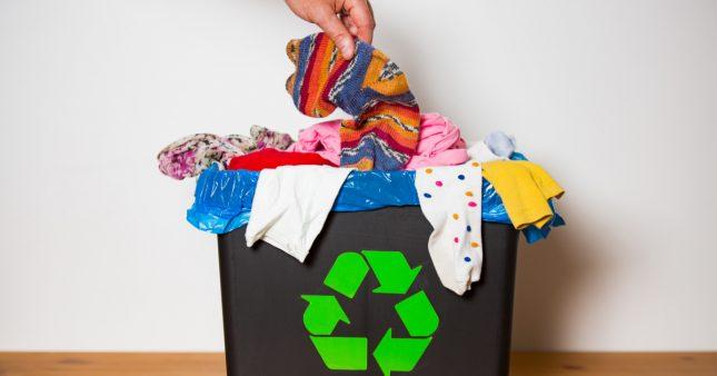 Vêtements: ne les jetez pas à la poubelle!