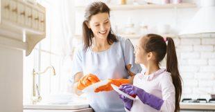 Comment impliquer les enfants pour qu'ils participent aux tâches du quotidien?