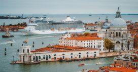 Venise: la lagune de nouveaux envahie par les bateaux de croisière