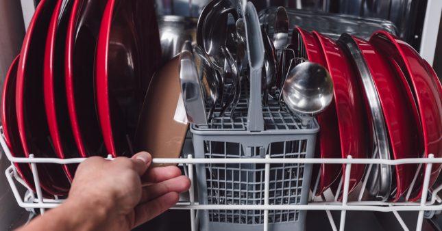 Comment nettoyer son lave-vaisselle pour qu'il dure longtemps