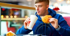 McDonald's vend de l'eau filtrée à 7 euros le litre: la polémique explose