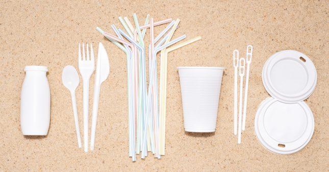 Plastiques à usage unique – Ont-ils vraiment disparu des rayons?